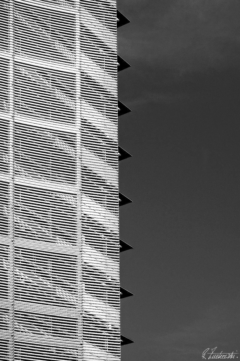serrated edge - robzucho,, photography, - abstractcolorism | ello