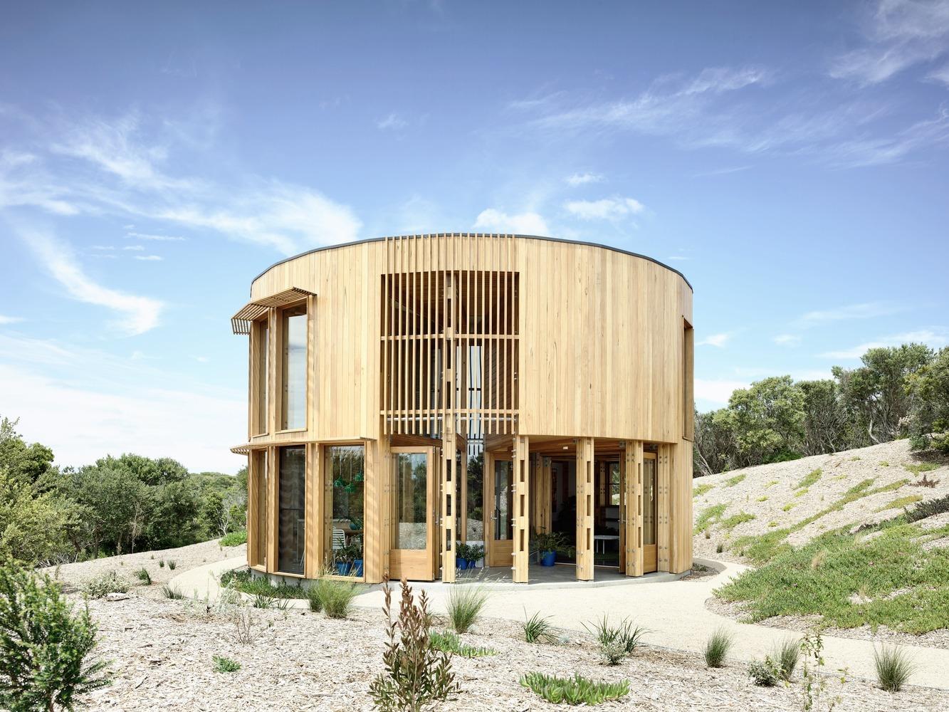 St Andrews Beach House / Austin - red_wolf | ello