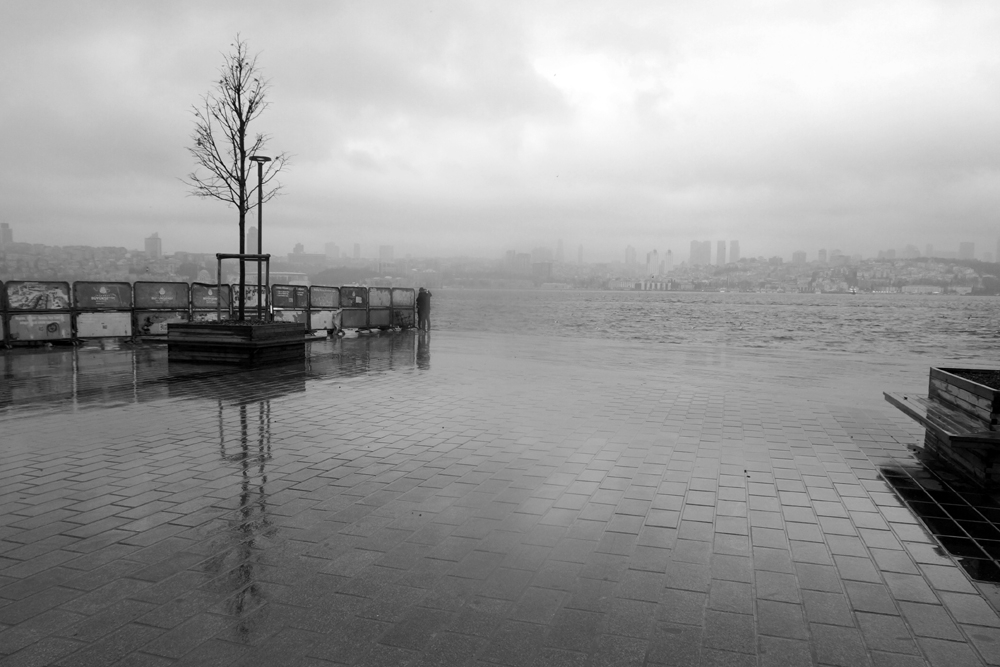 Rain storm coast Üsküdar - Ista - nurcan   ello