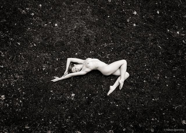Photo Hakon Gronning - monochrome - fawnyamodel | ello
